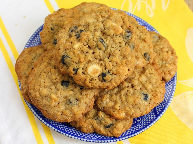 Blueberry White Chocolate Chip Oatmeal Cookies -w
