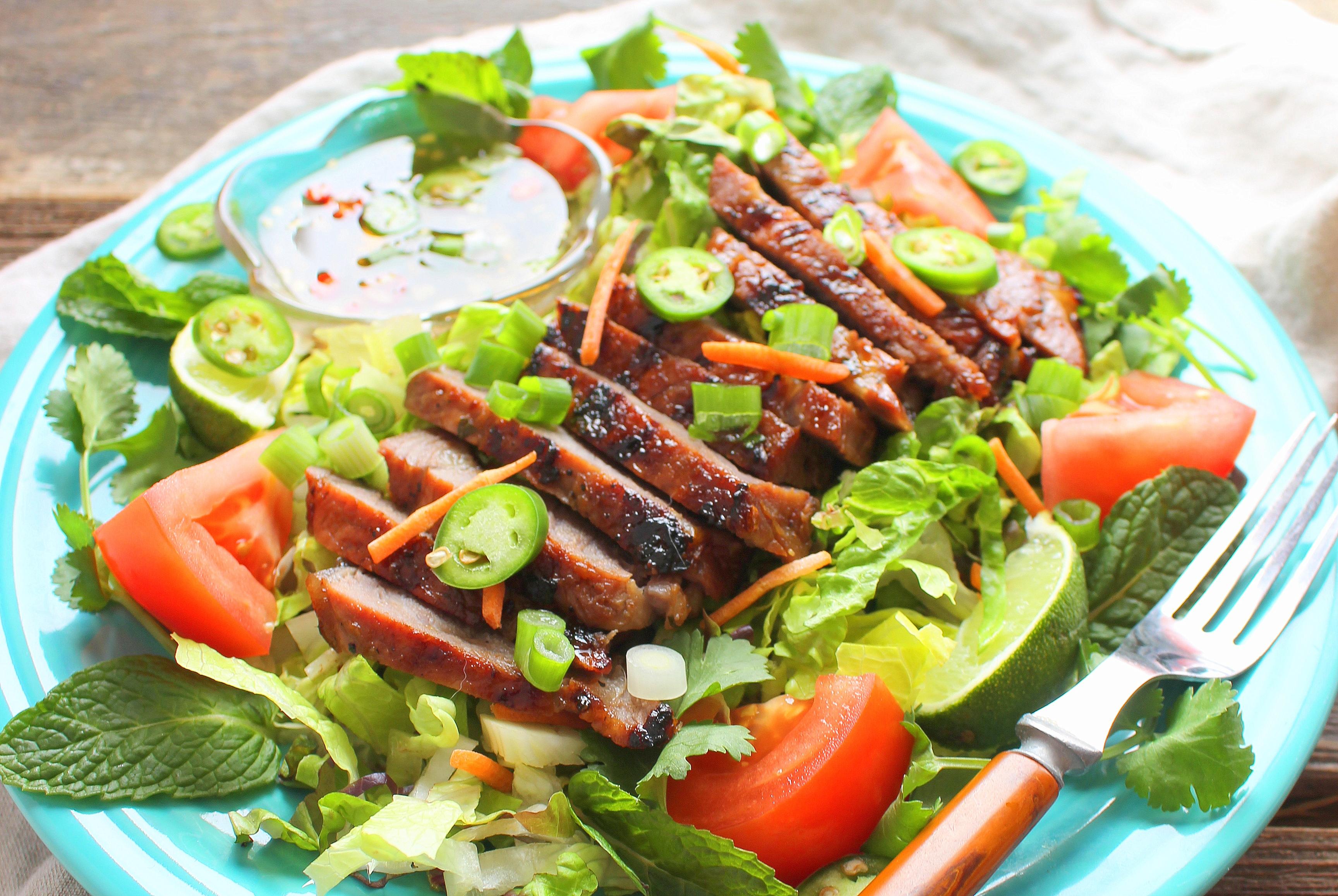 Vietnamese Grilled Steak Salad for #SundaySupper